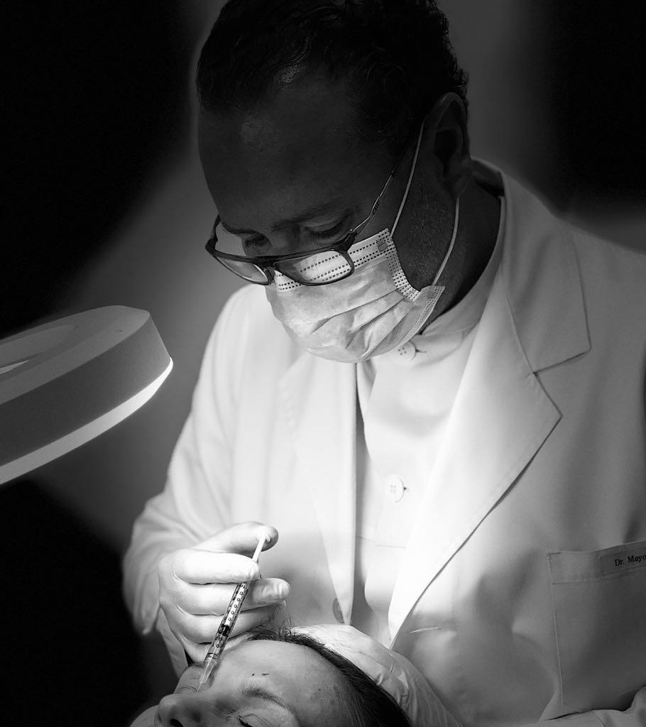 Dr. Federico Mayo